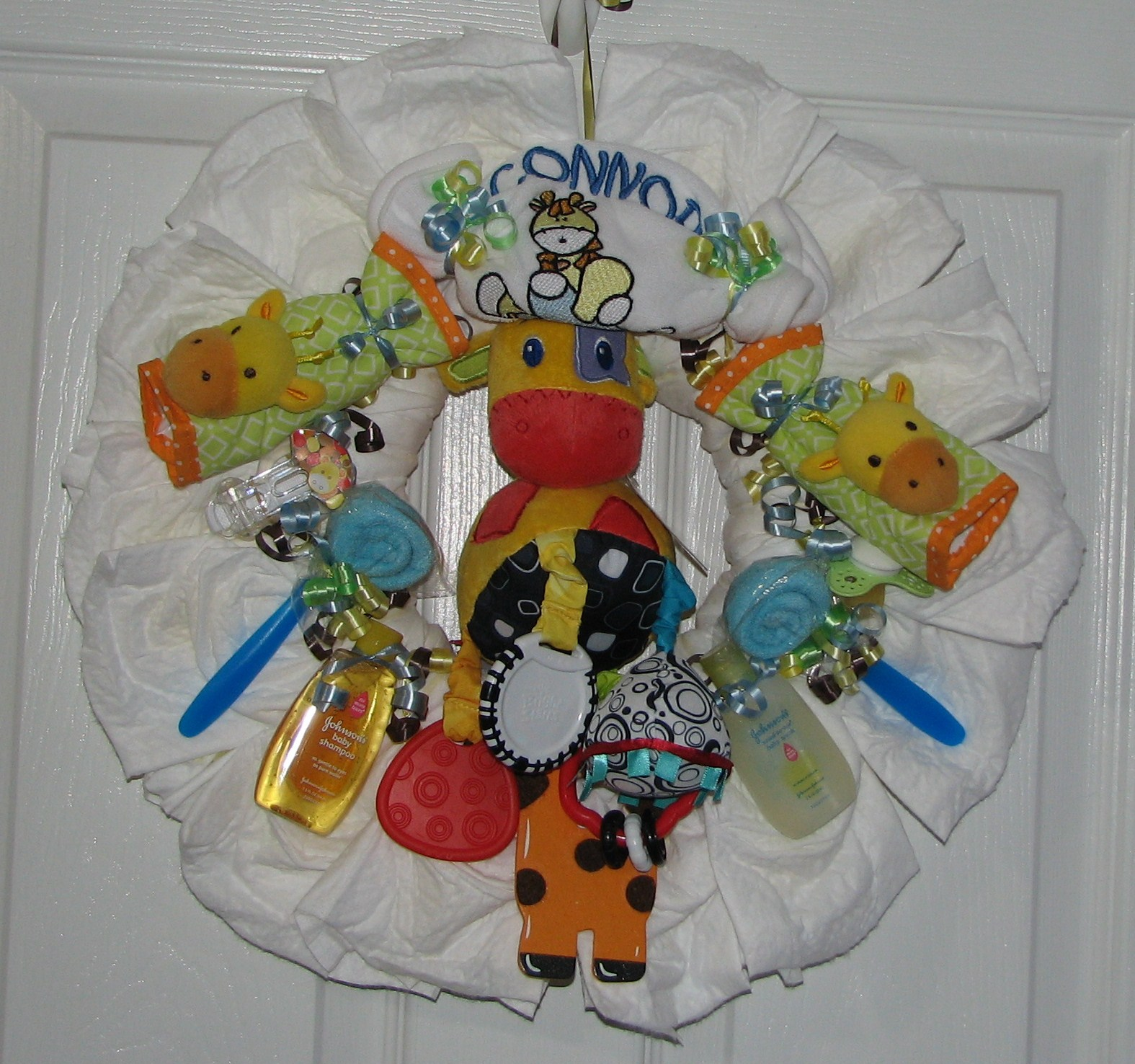 Giraffe-Diaper-Wreath.JPG - Safari Diaper Wreath