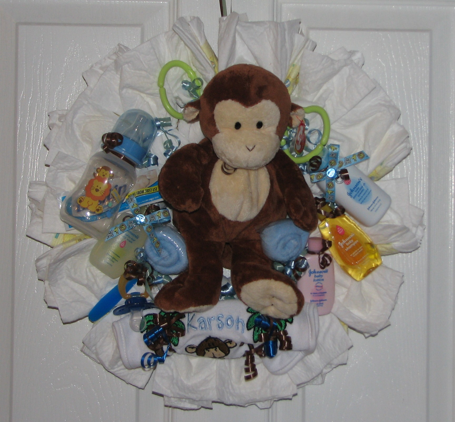Monkey Dipaer Wreath.JPG - Monkey Diaper Wreath