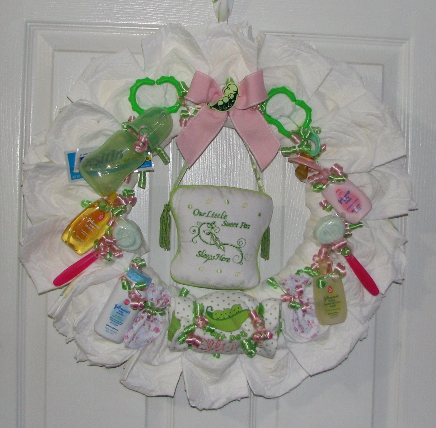 Sweet-Pea-Diaper-Wreath.JPG - Sweet Pea Diaper Wreath