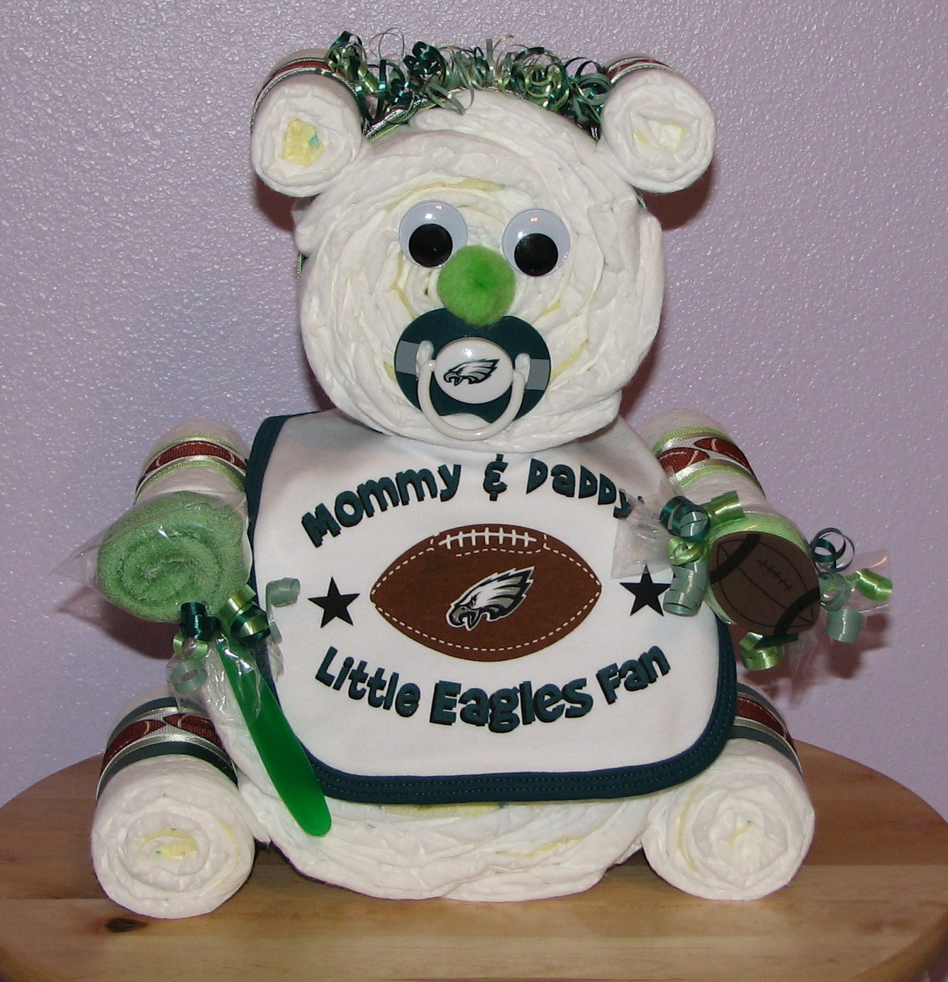 purchase cheap a367c d7604 Pro-Sports Themed Baby Diaper Cakes ♥ NFL MLB Themed